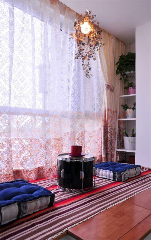 现代简约二居室客厅飘窗装修效果图欣赏