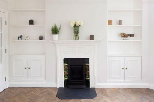 优雅简欧风格白色客厅壁炉装修效果图