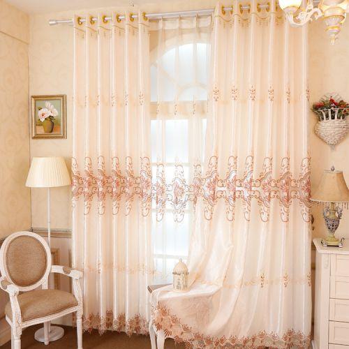 米色简欧风格印花落地客厅窗帘效果图