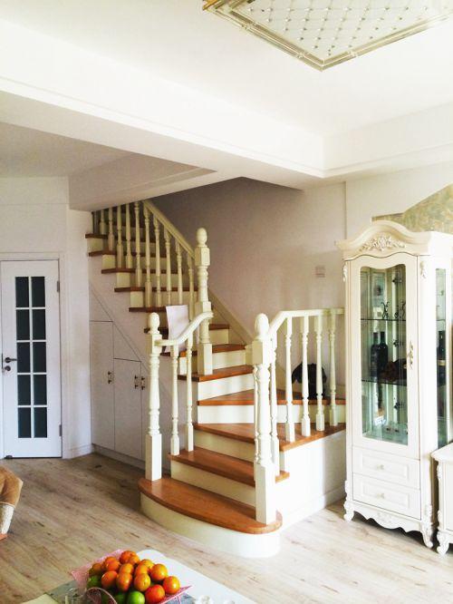 简欧风206平别墅客厅楼梯装修效果图