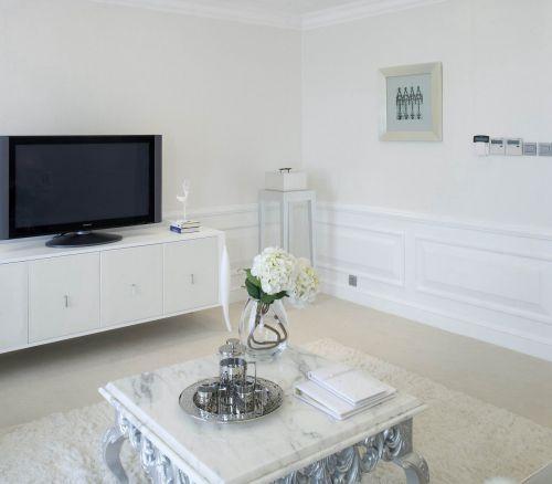 客厅简欧白色电视柜装修效果图