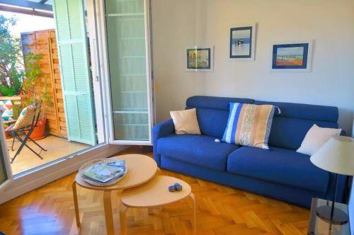 简欧风格二居室客厅窗帘装修图片