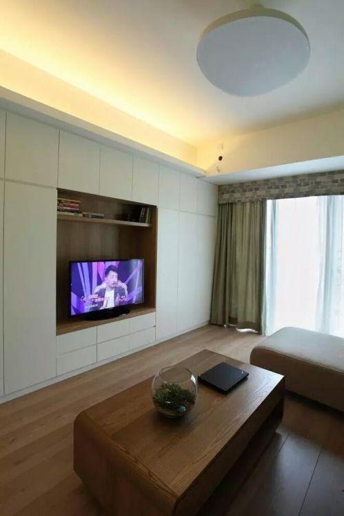 简欧风格三居室客厅影视墙装修图片