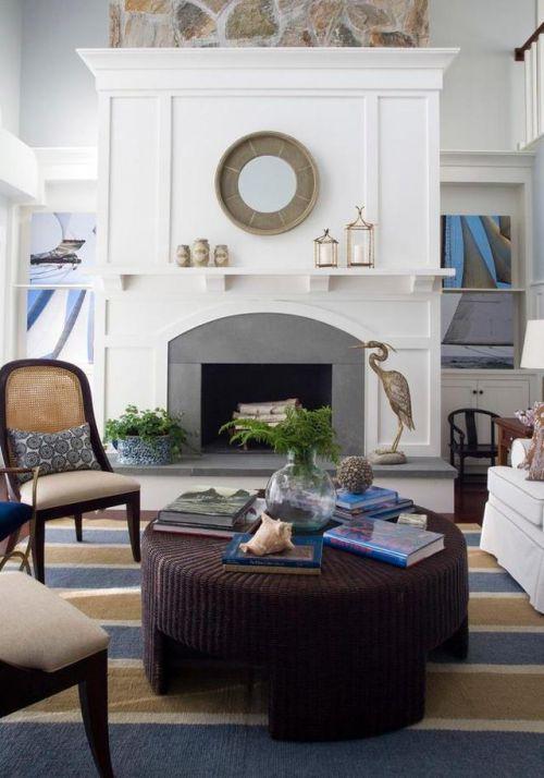 咖啡色欧式风格圆形客厅茶几装修实景图