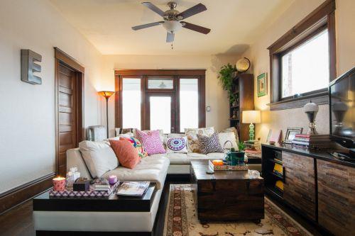 惬意欧式风格客厅小面积家装效果图