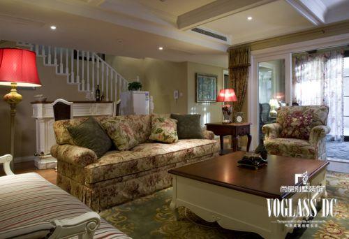 田园风格五居室客厅楼梯装修效果图