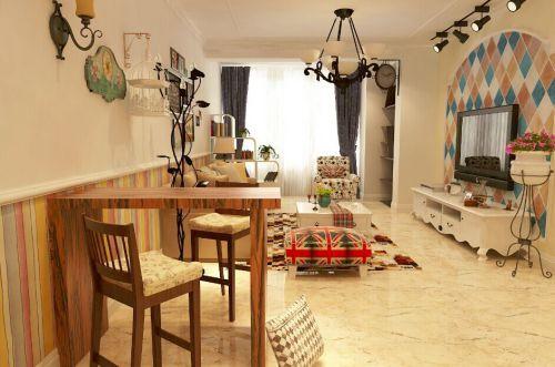 76平两居田园风格客厅原木色吧台装修效果图