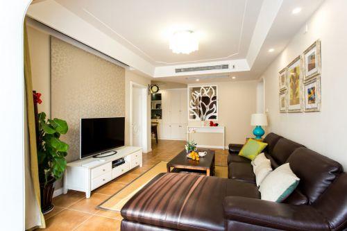 田园风格二居室客厅影视墙装修图片