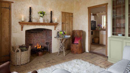 质朴田园风格客厅温暖壁炉装修图片