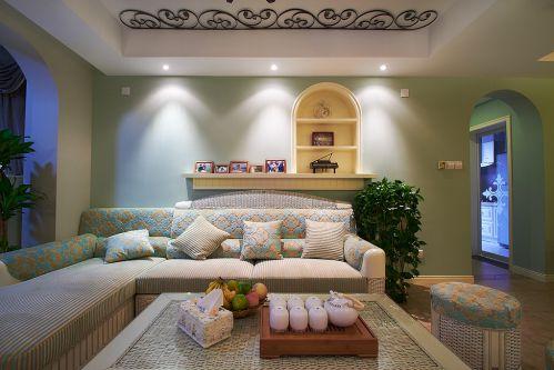 田园风格三居室客厅沙发装修图片