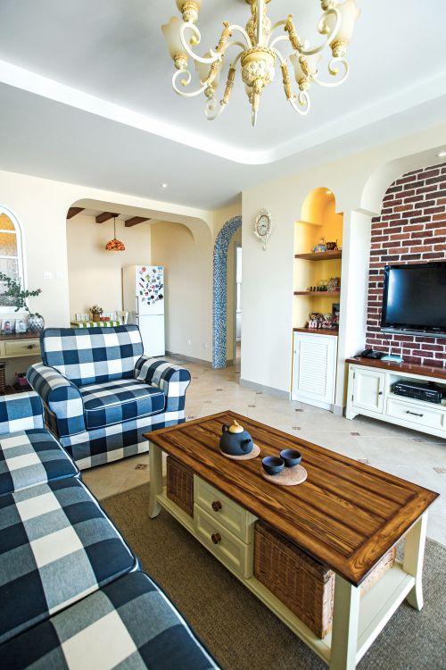 田园风格三居室客厅背景墙装修效果图欣赏