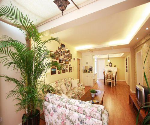 田园风格一居室客厅照片墙装修效果图