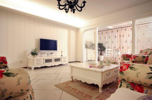 田园风格二居室客厅窗帘装修图片