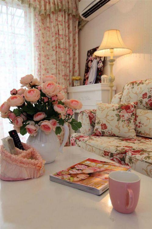 田园风格二居室客厅茶几装修效果图