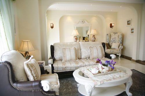 田园风格四居室客厅沙发装修图片