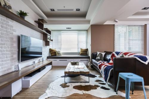 田园风格三居室客厅窗帘装修图片