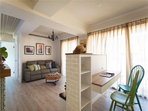 地中海风格三居室客厅沙发装修效果图