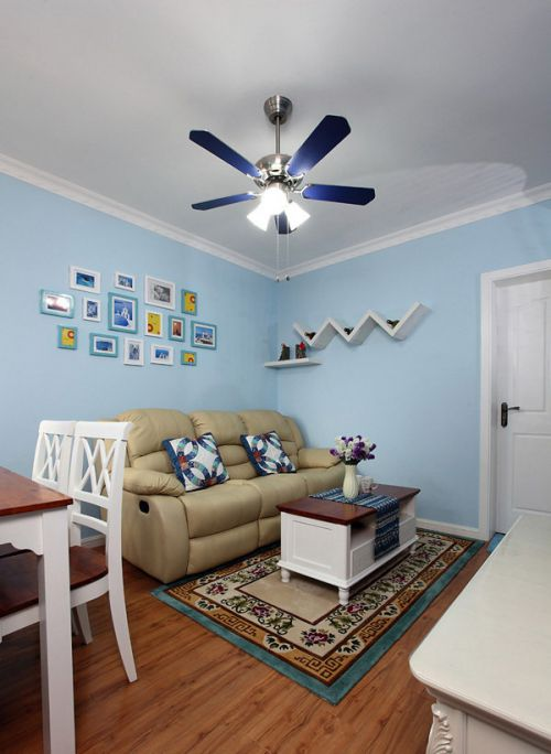 地中海风格一居室客厅背景墙装修效果图