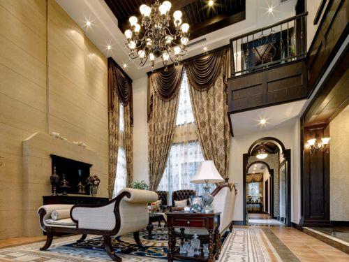 地中海风格三居室客厅窗帘装修效果图