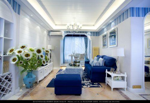 地中海风格三居室客厅照片墙装修效果图