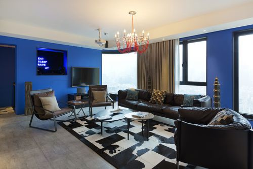 时尚混搭风格客厅蓝色背景墙装修图片