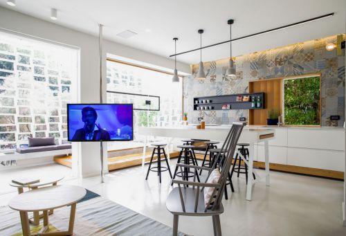 艺术开放式混搭风格客厅装修实景图