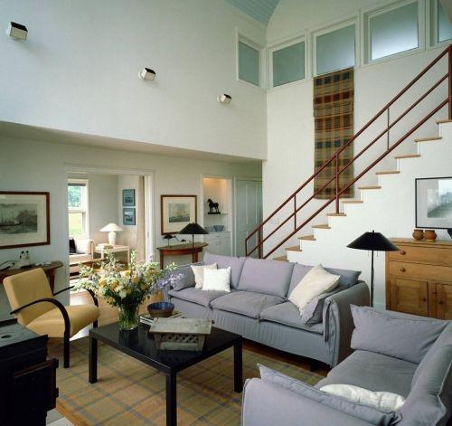 美式田园休闲沙发楼梯拓展客厅装修效果图