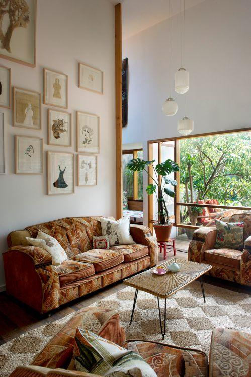 现代美式风格客厅背景墙装修效果图