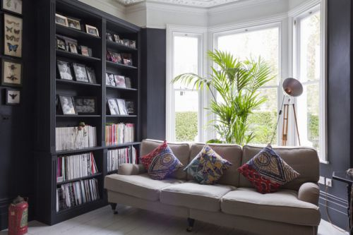 美式风格客厅黑色雅致书架效果图