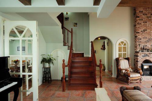 美式小别墅客厅木质楼梯效果图