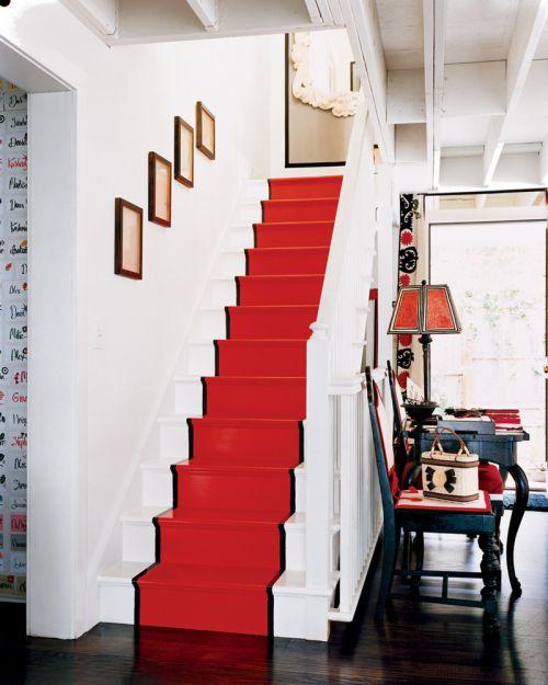 小复式美式红色客厅楼梯地毯效果图