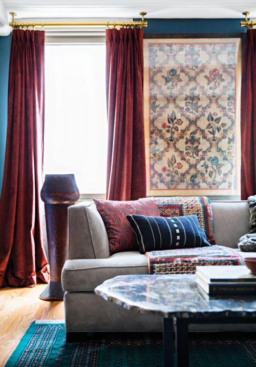 美式客厅红色窗帘效果图