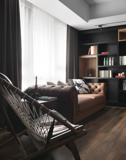 美式真皮沙发混搭墨色博古架客厅装修效果图