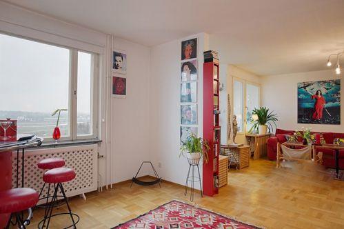 红色热情美式休闲照片墙客厅装修效果图
