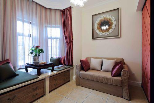 现代美式四居室客厅窗帘装修效果图