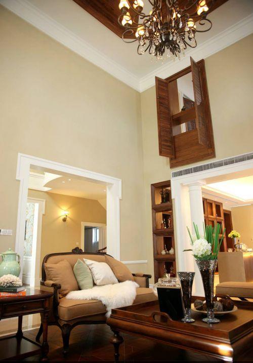 典雅美式四居室客厅吊顶装修效果图欣赏