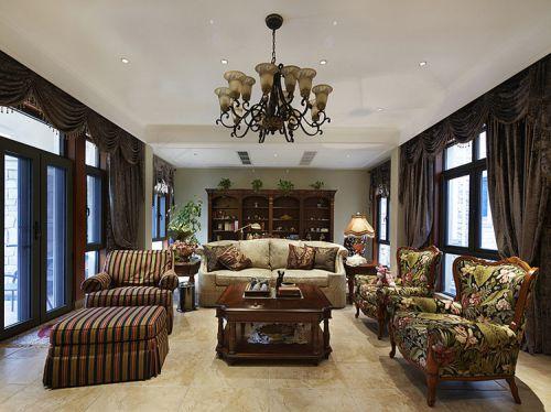 美式风格四居室客厅楼梯装修效果图