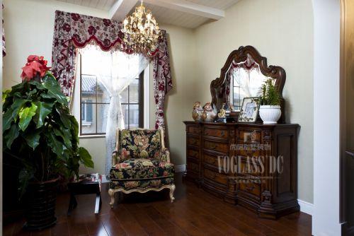 美式古典四居室客厅装修效果图