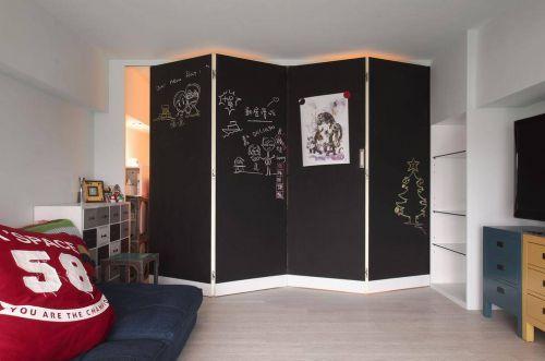 韩式风格三居室客厅黑色屏风装修设计