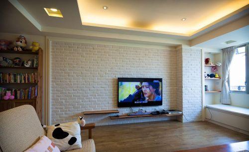 韩式风格别墅客厅榻榻米电视墙装修设计