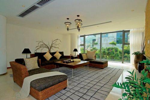 东南亚风格客厅布艺沙发装修效果图