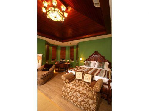 东南亚风格五居室客厅吧台装修效果图