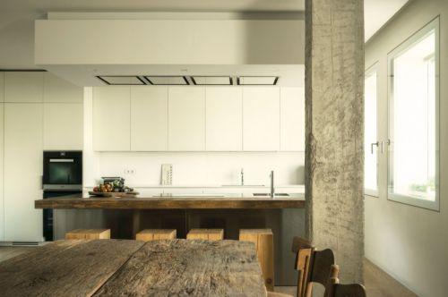 现代风格开放式厨房原木色吧台设计图