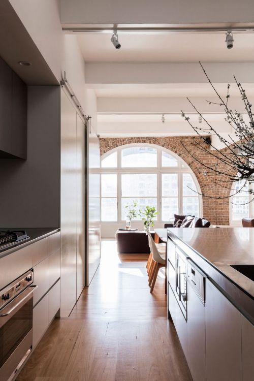 现代风格简洁清爽厨房装修实景图