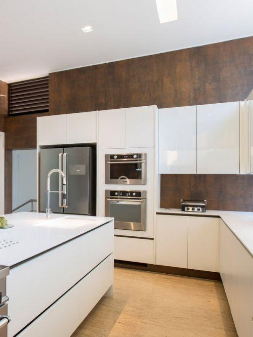 白色现代风格厨房装修实景图