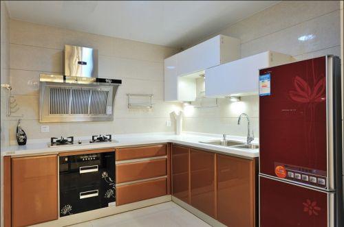 现代简约风119平三居厨房橱柜装修效果图