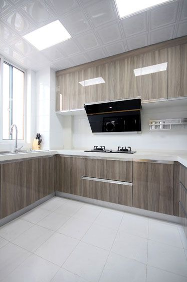 沉稳大气现代风格厨房橱柜装修实景图