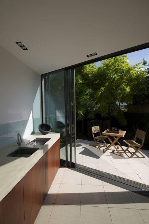 时尚别墅现代简约风格敞开式厨房装修图