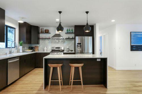 休闲时尚现代风格厨房吧台设计效果图