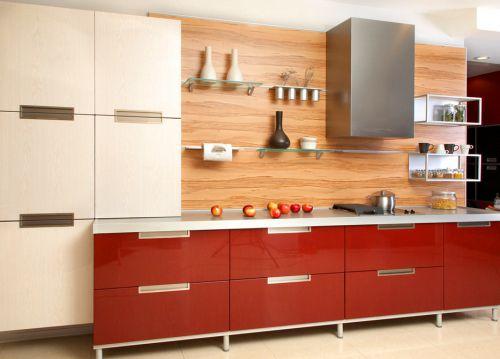 现代简约厨房橙色背景墙装修效果图